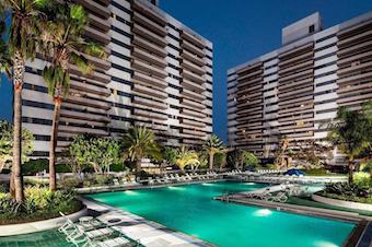 ELC Los Angeles Accommodation Barrington Plaza Apartments