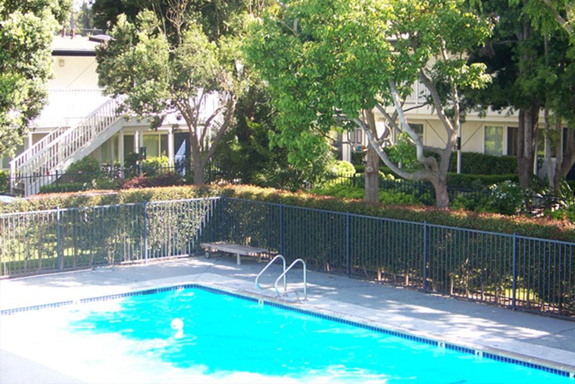 ELC Santa Barbara Accommodation La Brezza Apartments